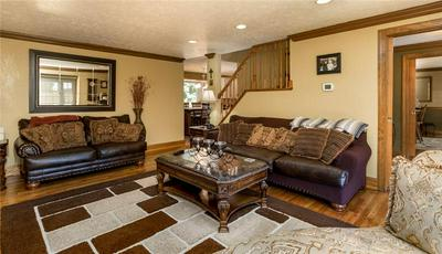 90 PARK TER, South Strabane, PA 15301 - Photo 2