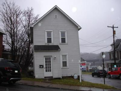 209 W WAYNE ST, BUTLER, PA 16001 - Photo 1