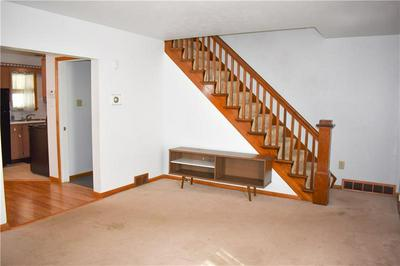 508 1/2 FRANKLIN AVE, Vandergrift, PA 15690 - Photo 2