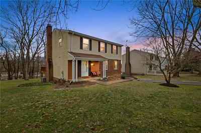 974 LINDFIELD DR, South Park, PA 15129 - Photo 1