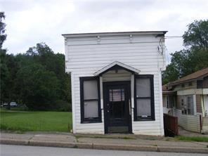 212 WASHINGTON ST, Parker City, PA 16049 - Photo 1