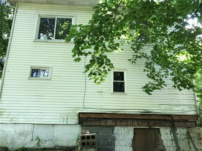 520 BRYANT ST, Vandergrift, PA 15690 - Photo 2