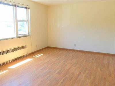 309 TYLER AVE APT F, Washington, PA 15301 - Photo 2