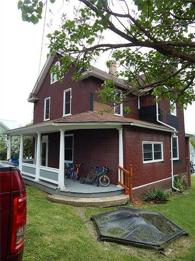 402 LEORA AVE, Rockwood, PA 15557 - Photo 2