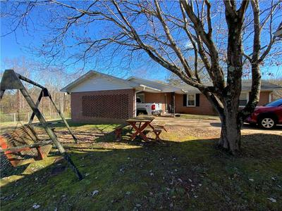 401 FOREST HILLS DR, Williamston, SC 29697 - Photo 2