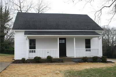 100 CLEVELAND ST, Easley, SC 29640 - Photo 2