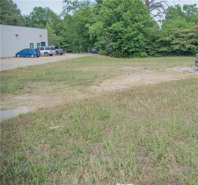 703 W GREENWOOD ST, Abbeville, SC 29620 - Photo 1