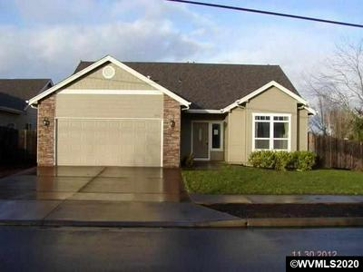 2402 BROADWAY, Albany, OR 97321 - Photo 1