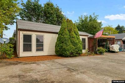 240 GRAND ST, Independence, OR 97351 - Photo 2