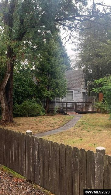1424 SW FAIRVIEW AVE, Dallas, OR 97338 - Photo 1