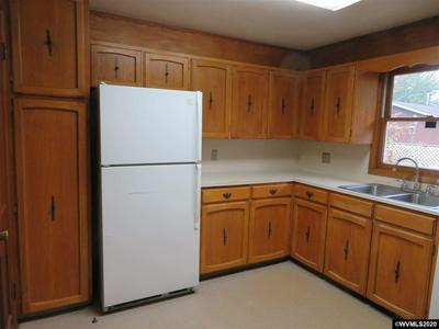 2150 SE THOMPSON ST, Corvallis, OR 97333 - Photo 2