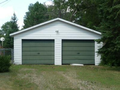 704 CHESTNUT ST, GRAYLING, MI 49738 - Photo 2