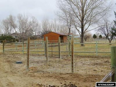 355 W MOUNTAIN VIEW DR, Riverton, WY 82501 - Photo 2