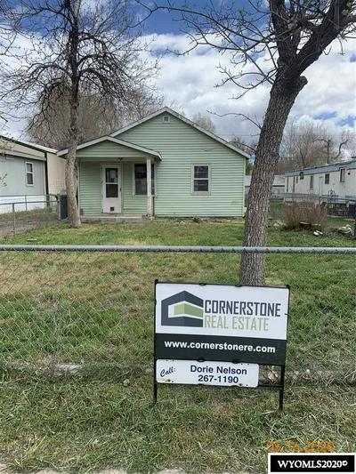 320 MIDWEST AVE, Mills, WY 82644 - Photo 2