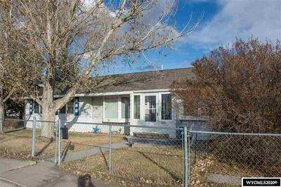 121 N 11TH ST W, Riverton, WY 82501 - Photo 2