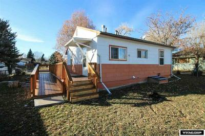 317 S 11TH ST, Thermopolis, WY 82443 - Photo 2