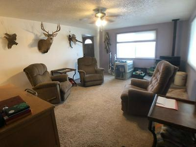208 S 8TH ST, Basin, WY 82410 - Photo 2