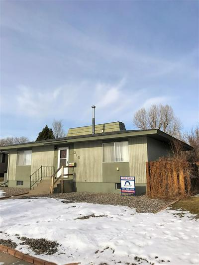 210 SUNSET AVE, THERMOPOLIS, WY 82443 - Photo 1