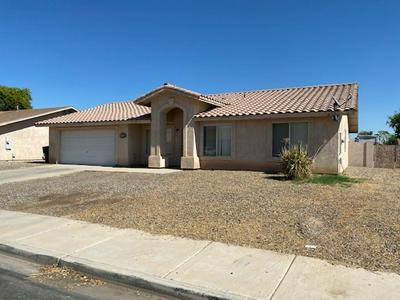 2923 S 32ND AVE, Yuma, AZ 85364 - Photo 2