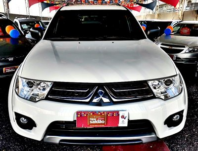 Veículo PAJERO DAKAR 2015 3.2 4X4 16V TURBO INTERCOOLER DIESEL 4P AUTOMÁTICO