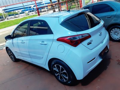 Veículo HB20 2015 1.6 COMFORT PLUS 16V FLEX 4P MANUAL