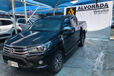Veículo HILUX 2017 2.8 SRX 4X4 CD 16V DIESEL 4P AUTOMÁTICO