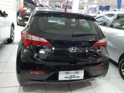 Veículo HB20 2015 1.0 COMFORT STYLE 12V FLEX 4P MANUAL