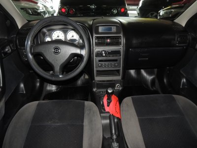 Veículo ASTRA HATCH 2006 2.0 MPFI ELEGANCE 8V FLEX 2P MANUAL