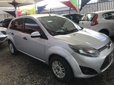 Veículo FIESTA HATCH 2011 1.0 MPI HATCH 8V FLEX 4P MANUAL