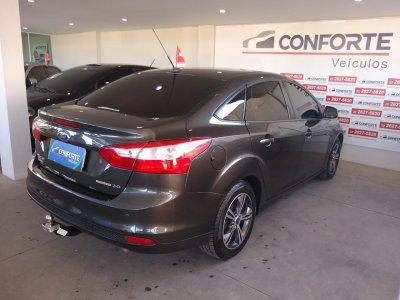 Veículo FOCUS SEDAN 2015 2.0 SE PLUS SEDAN 16V FLEX 4P AUTOMÁTICO