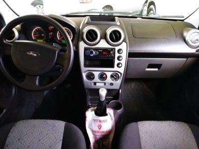 Veículo FIESTA HATCH 2011 1.6 MPI CLASS HATCH 8V FLEX 4P MANUAL