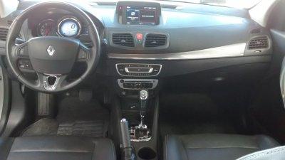 Veículo FLUENCE 2017 2.0 DYNAMIQUE PLUS 16V FLEX 4P AUTOMÁTICO