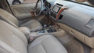 Veículo HILUX SW4 2010 3.0 SRV 4X4 7 LUGARES 16V TURBO INTERCOOLER DIESEL 4P AUTOMÁTICO