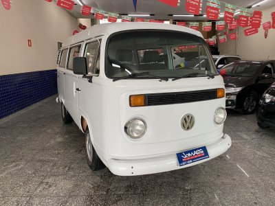 Veículo KOMBI 2000 1.6 STD 8V GASOLINA 3P MANUAL