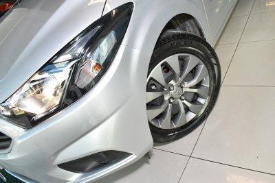 Veículo ONIX 2019 1.4 MPFI ADVANTAGE 8V FLEX 4P AUTOMÁTICO