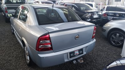 Veículo ASTRA SEDAN 2008 2.0 MPFI ADVANTAGE SEDAN 8V FLEX 4P MANUAL