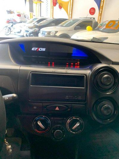 Veículo ETIOS SEDAN 2019 1.5 X SEDAN 16V FLEX 4P MANUAL