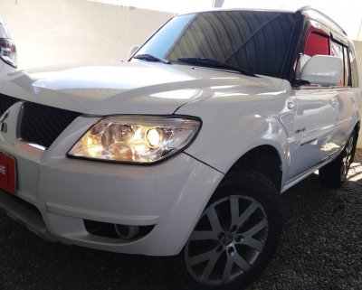 Veículo PAJERO TR4 2014 2.0 4X4 16V 140CV FLEX 4P AUTOMÁTICO