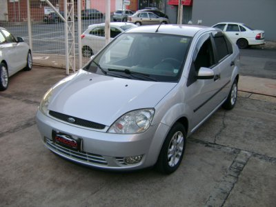 Veículo FIESTA SEDAN 2005 1.6 MPI SEDAN 8V FLEX 4P MANUAL