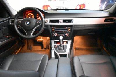 Veículo 320I 2008 2.0 16V GASOLINA 4P AUTOMÁTICO