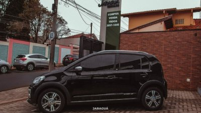 Veículo CROSS UP 2018 1.0 TSI 12V FLEX 4P MANUAL