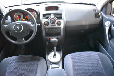 Veículo MEGANE GRAND TOUR 2010 2.0 DYNAMIQUE GRAND TOUR 16V GASOLINA 4P AUTOMÁTICO