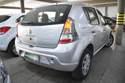 Veículo SANDERO 2014 1.0 AUTHENTIQUE 16V FLEX 4P MANUAL