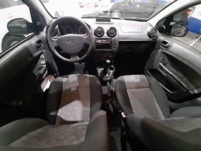 Veículo FIESTA HATCH 2012 1.0 ROCAM HATCH 8V FLEX 4P MANUAL