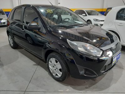 Veículo FIESTA HATCH 2012 1.0 ROCAM HATCH 8V FLEX 4P MANUAL
