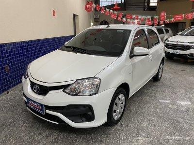 Veículo ETIOS HATCH 2018 1.5 XS 16V FLEX 4P AUTOMÁTICO