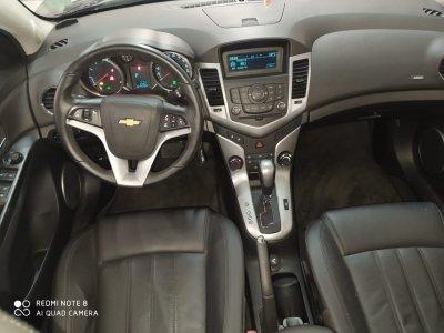 Veículo CRUZE HATCH 2013 1.8 LT SPORT6 16V FLEX 4P AUTOMÁTICO