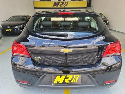 Veículo ONIX 2019 1.4 MPFI LTZ 8V FLEX 4P AUTOMÁTICO