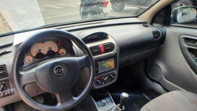 Veículo CORSA SEDAN 2005 1.8 MPFI PREMIUM SEDAN 8V FLEX 4P MANUAL