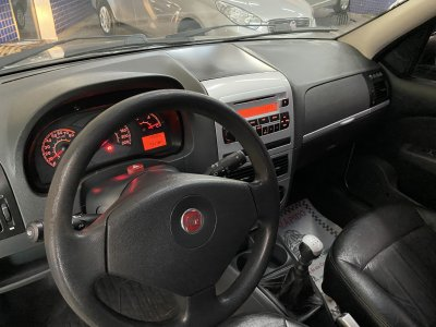 Veículo PALIO WEEKEND 2010 1.4 MPI TREKKING WEEKEND 8V FLEX 4P MANUAL